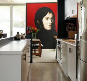 Оригинальный портрет в оформлении кухни