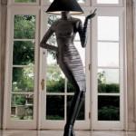 Торшер в виде изящной женской фигуры черного цвета