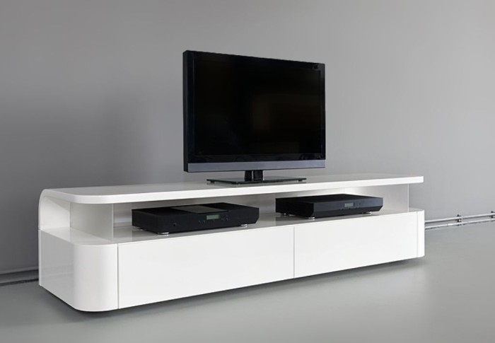 Белая продолговатая ТВ-тумба белого цвета