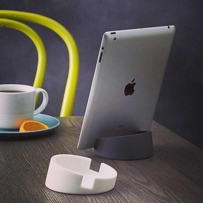 Подставка для планшета в стиле минимализм