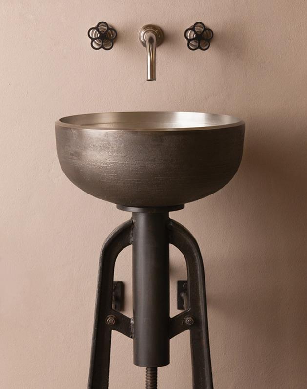 Оригинальная раковина для ванной из металла в стиле Индастриал