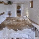 Спальня в переделанном доме