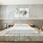 Кровать из выбеленного дерева