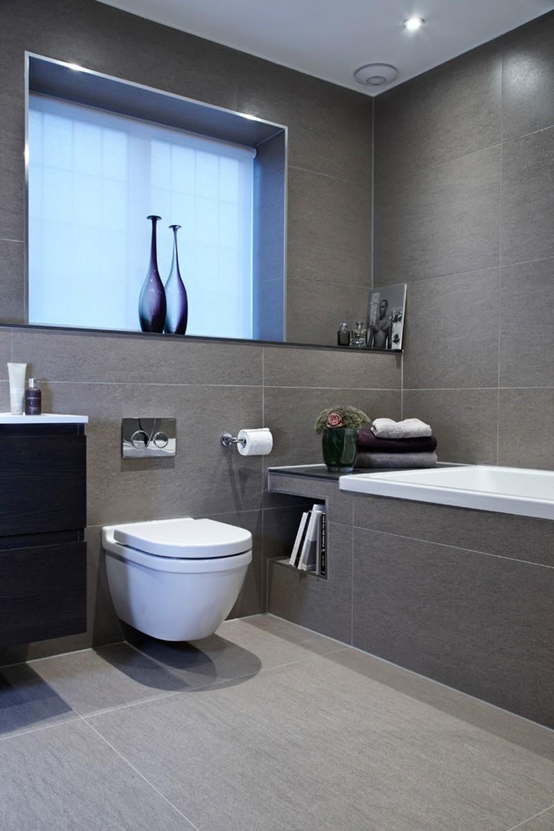 Дизайн ванной -- серый фон