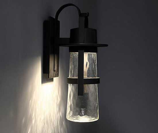 Светильник для улицы или помещения