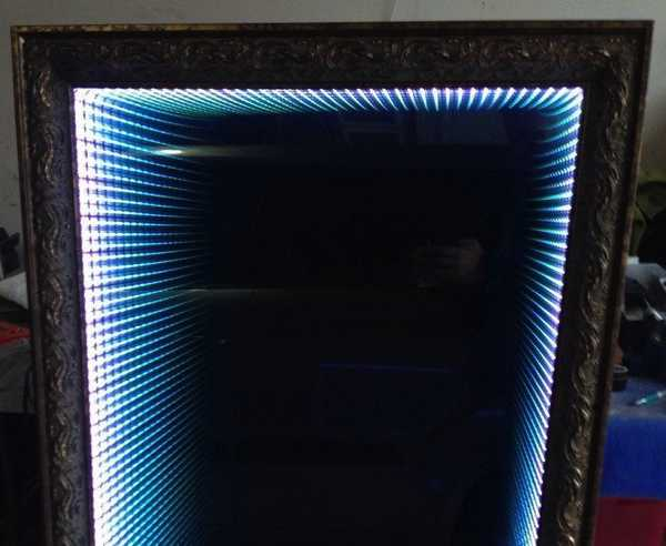 LED зеркало с эффектом глубины