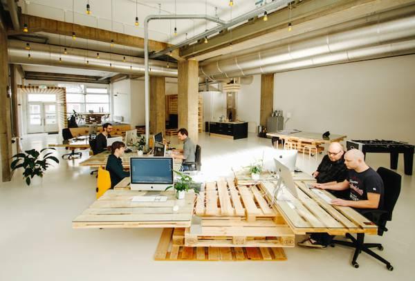 samodelnyi-stol-diy-idee-bureaux-moderne-design-palettes