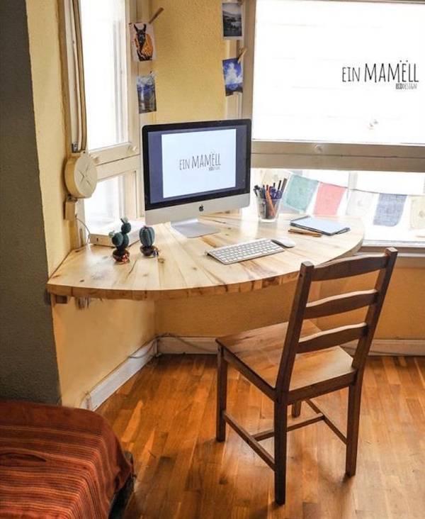 samodelnyi-stol-diy-original-angle-meuble-suspendu