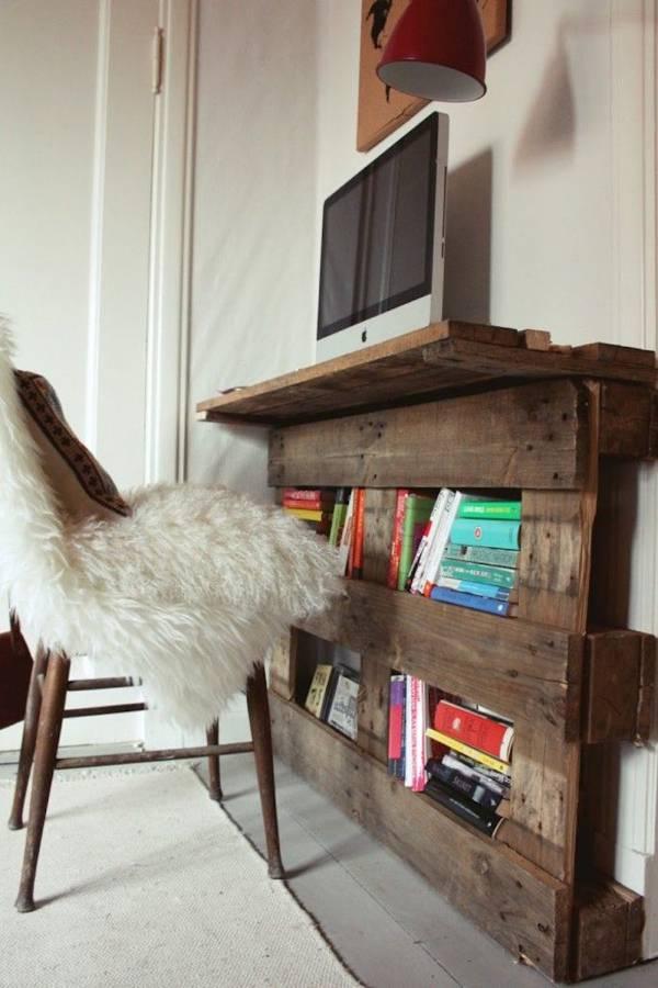 samodelnyi-stol-palette-mural-bibliotheque